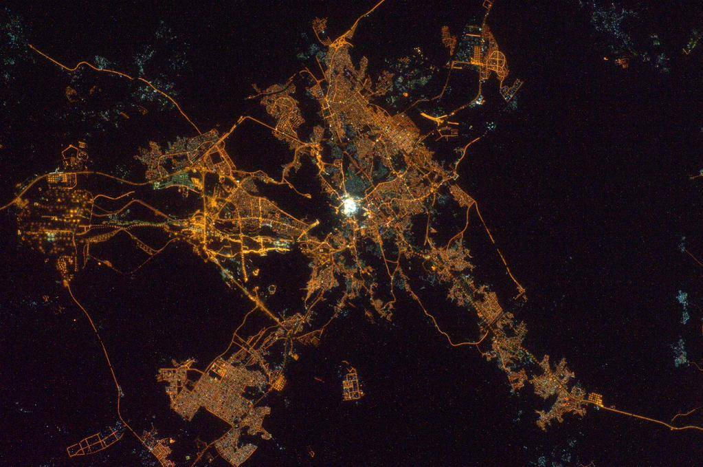 Amazing Night Photos Of Makkah And Madinah From Space Ilmfeed