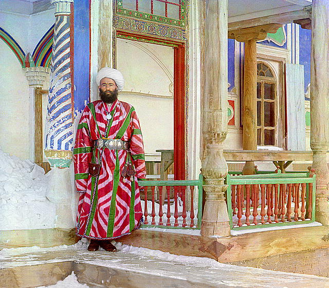 12 A bureaucrat in Bukhara. Photographed in 1911 by Sergei Mikhailovich Prokudin-Gorskii.