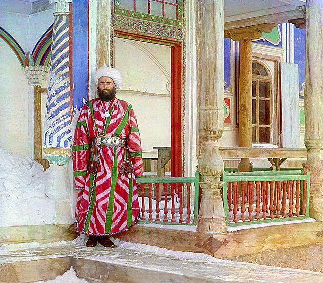 12 A bureaucrat in Bukhara. Photographed in 1911 by Sergei Mikhailovich Prokudin-Gorskii.