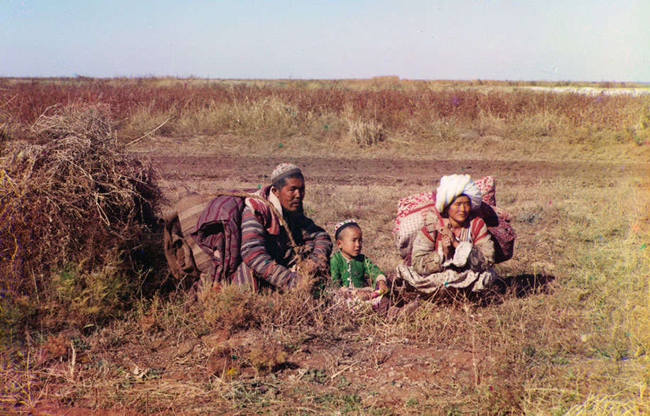 4 Nomadic Kirghiz on the Golodnaia Steppe in present-day Uzbekistan and Kazakhstan, ca. 1910