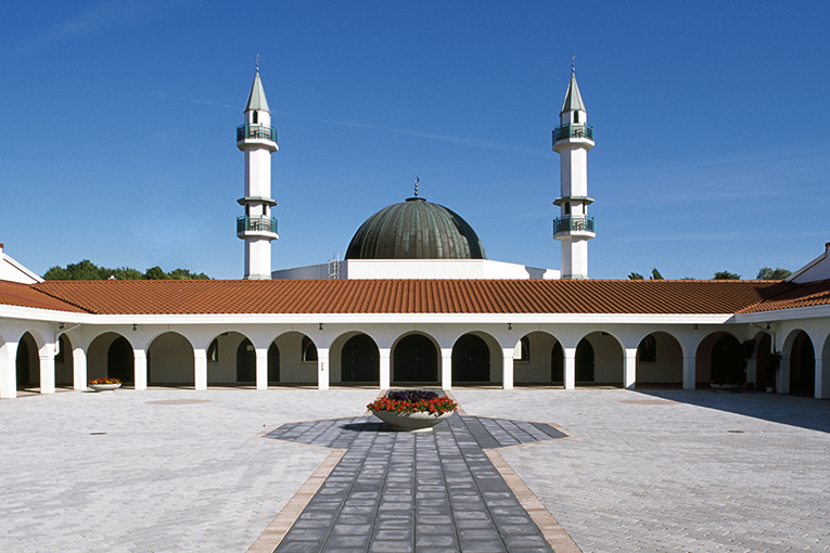 A Photographic Journey of Europe's Mosques - IlmFeed