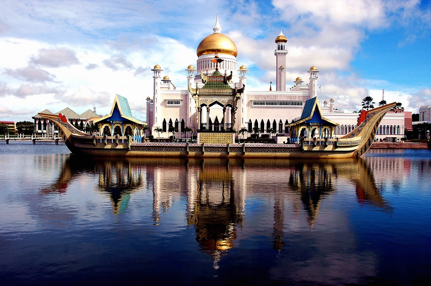sultan omar ali